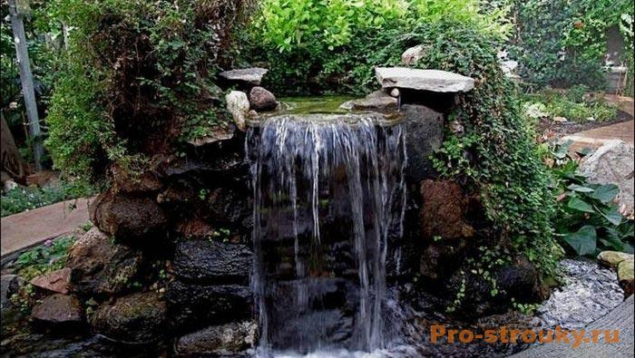 obustraivaem-vodopad-v-sadu-3