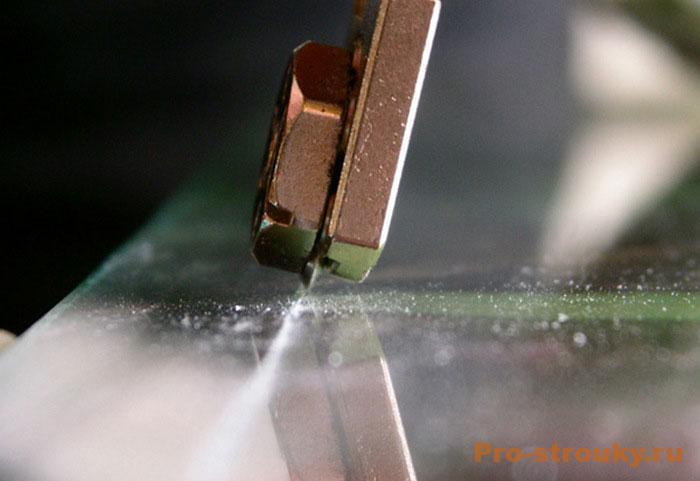 vybiraem-steklorez-sovety-po-rezke-stekla-2